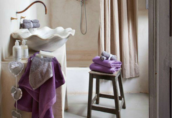 violets-color-for-bathroom-accessories-design