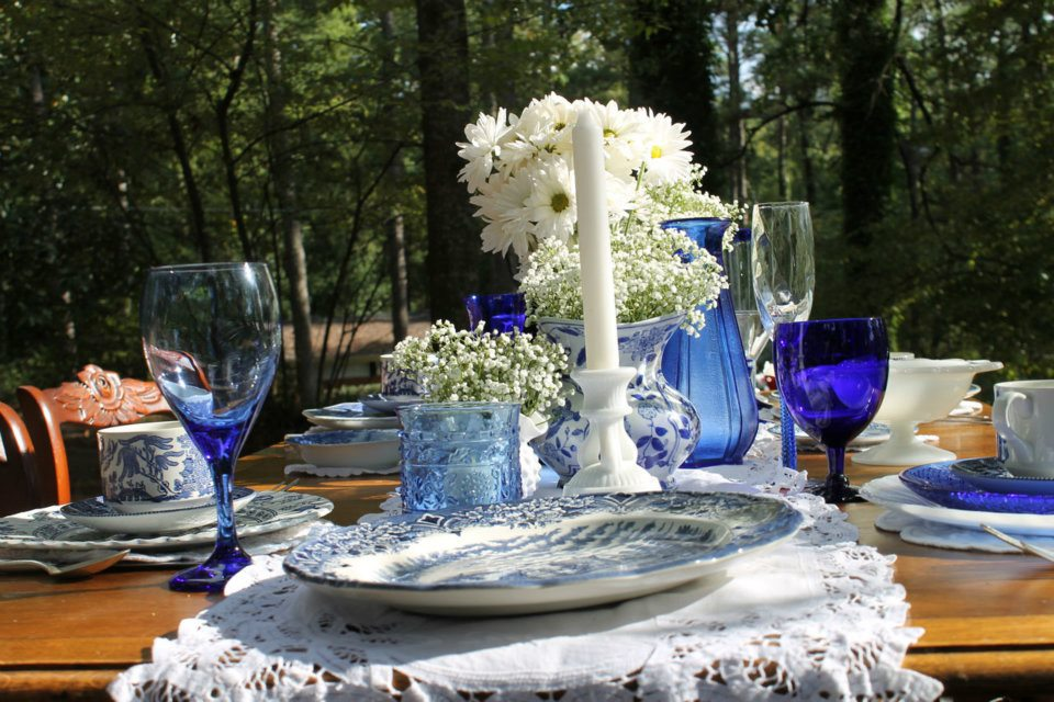 עיצובי שולחן לובשים כחול לבן לכבוד החג (2/6)