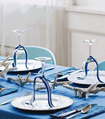 עיצובי שולחן לובשים כחול לבן לכבוד החג (1/6)