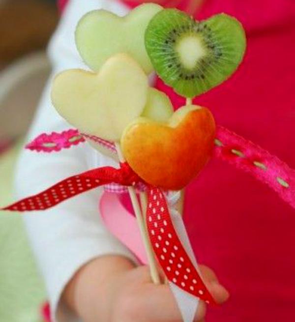 חיתוך פירות לב