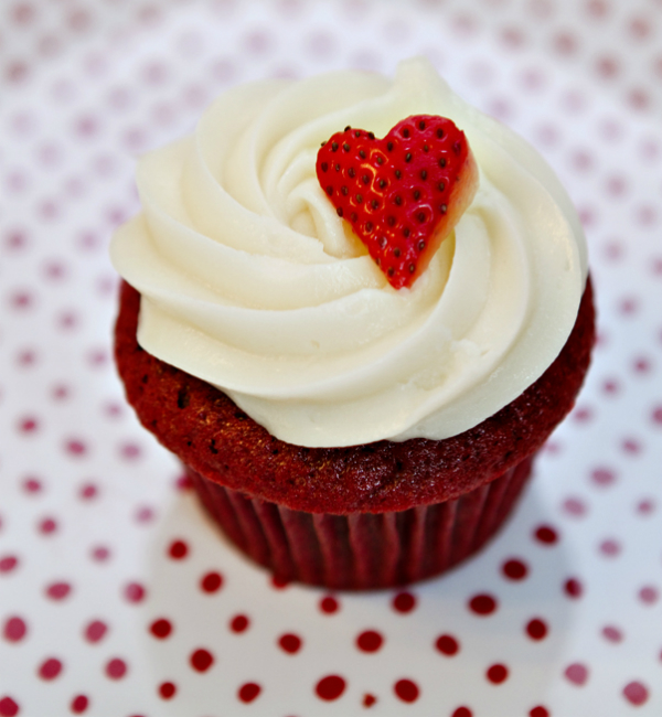 קאפקייקס עם לב תות