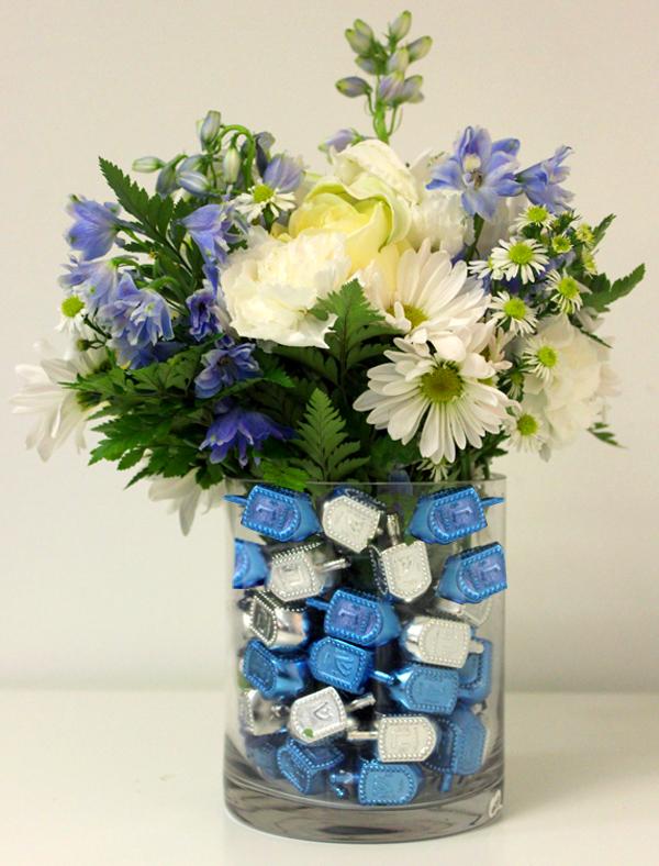 סידור פרחים עם סביבונים