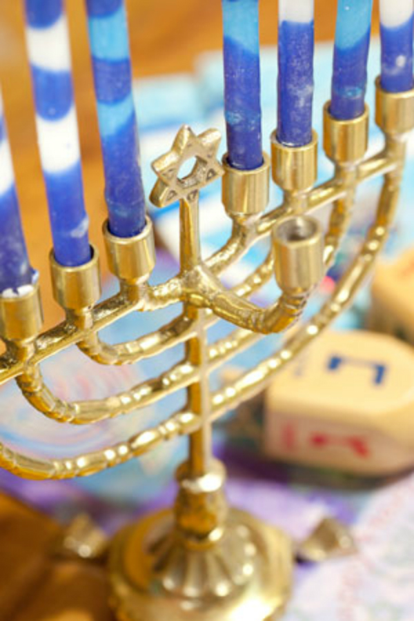 how-to-decorate-for-hanukkah