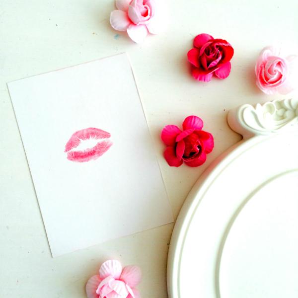 מסגרת נשיקות 3